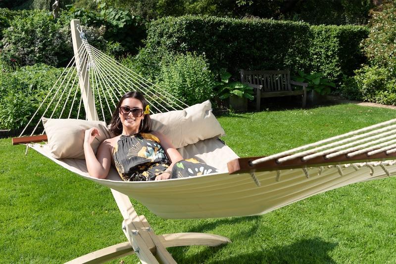 Wunderschöne Sommertage: braun werden in Ihrer Hängematte